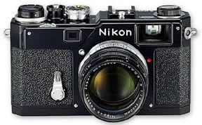 NikonS3Y2Kblkmdm.jpg