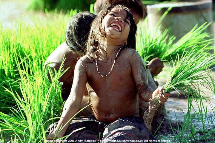 Latkovski.com. children cambodia.