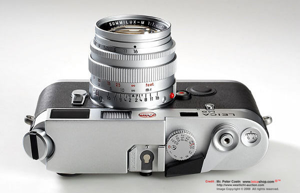 An introduction on Leica M6 Traveler Kit Edition, 1994 - MIR Image