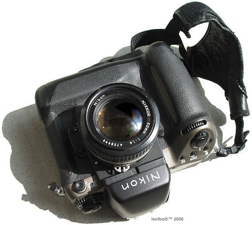 Nikon HS-9 Snap On Lens Hood for 50mm f//1.4 Nikkor AIS Lens